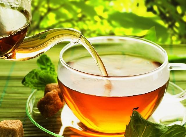 Một cốc trà xanh vào mỗi sáng giúp thanh lọc cơ thể và đào thải mỡ thừa