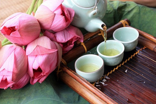 Cách giảm cân hiệu quả bằng lá sen và trà xanh