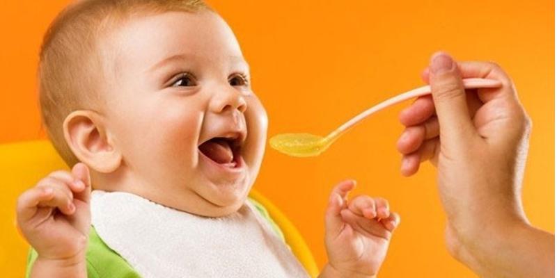 Bột ăn dặm friso giúp trẻ ăn ngon miệng