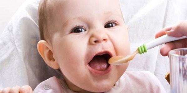 Cách pha bột ăn dặm cho trẻ